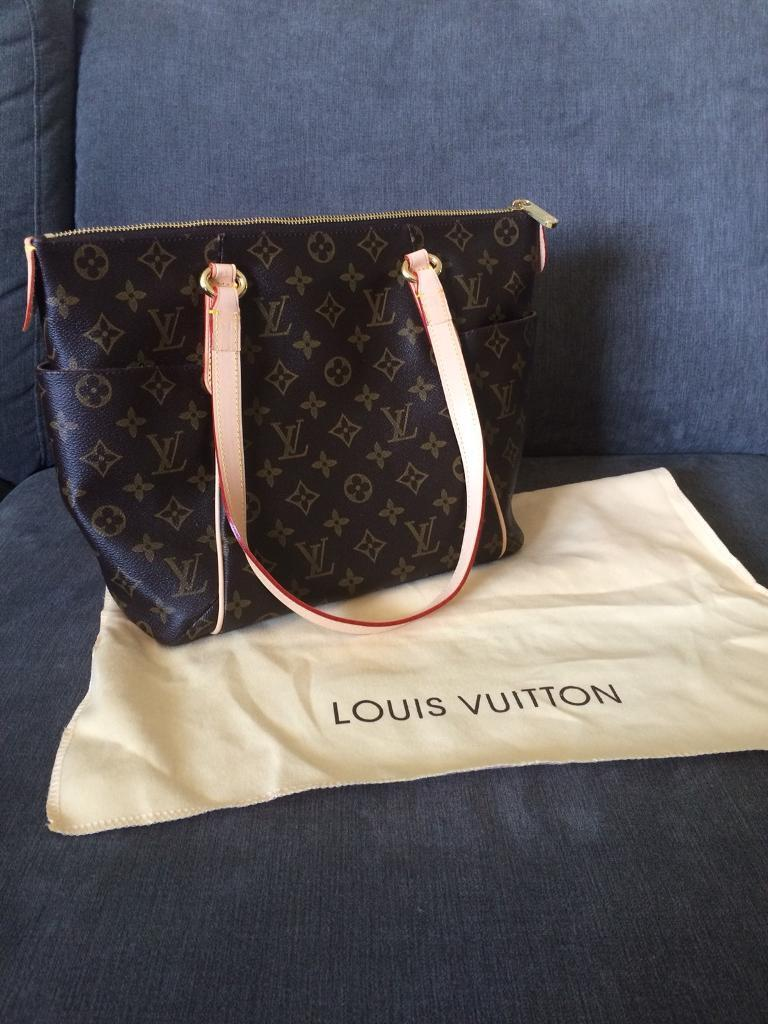 58a7d3bf66ad Louis Vuitton genuine leather totally pm bag
