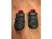 Boys leather Clarks shoes in size 6G