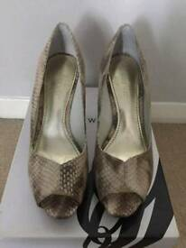 Nine West 'Bonfire' Peep Toe Court Shoes UK size 4