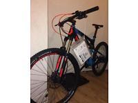 Scott genius mountain bike large, not a scratch
