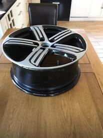 """1 x Genuine 18"""" Refurbed VW Golf R Alloy Wheel"""