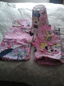 For sale Minnie mouse single girls bedding , curtains and light shade £10 ono