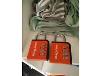 2 Easy gym padlocks