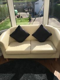 Small cream leather sofa & matching 2 chairs