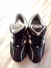 Mitre kids football/ rugby boots togs new in box size 2