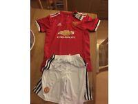 Man Utd replica football kit age 10/12