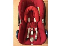 Child/ Baby Maxi-Cosi CabrioFix Car Seat in Raspberry Red, Clean like new, including newborn insert