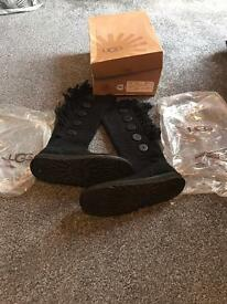 Authentic cardigan ugg boots size 7