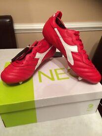 Football boots - size 7 - Red Diadora