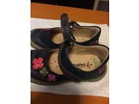 MARKS AND SPENCER WALKMATE GIRLS SHOES SIZE 6 FOR SALE