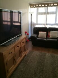 Looking for male/female working, to share a 2 bedroom fully furnished flat in Ruislip.