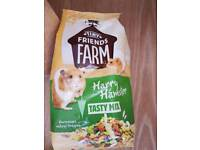 Hamster food - NEW! Tasty mix 700g, Yippees 120g, Seed and nut sticks 112g x 2