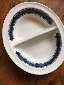 """Wedgewood Argosy 9"""" Oval Divided Vegetable Serving Dish"""