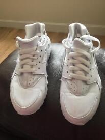 Nike huaraches size 3