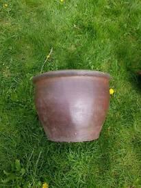Heavy duty terracotta plantpot