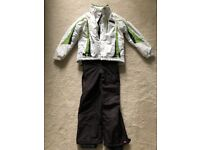 Girls skiing jacket and trousers age 9-10