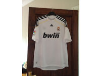 REAL MADRID HOME FOOTBALL SHIRT-SIZE L