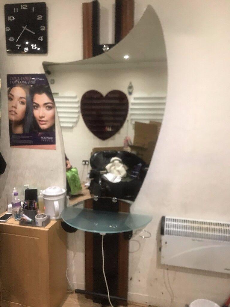 Beautician Equipment & Shop Fittings
