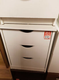 Pagnell 3 drawer bedside - white