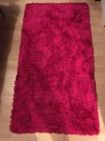 Pink shaggy rug, 150 X 80cm