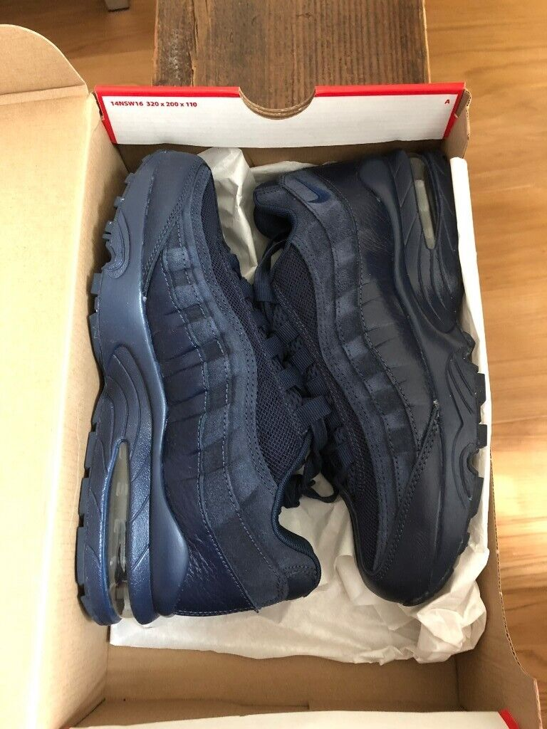 High Popularity Nike Air Max 95 Womens Trainers in Midnight
