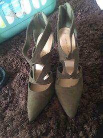 Khaki green brand new heels from new look