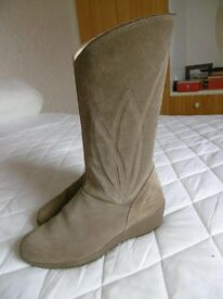 K suede boots