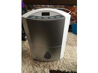 Swan SH3040 20 litre dehumidifier barely used