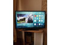 "32"" Luxor Smart TV for sale"