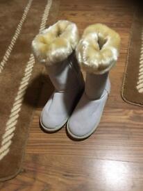 Brand new Ladies ugg snow boots Australia