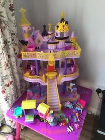 My little pony castle set huge