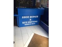 4 shop counters for sale in very good condition