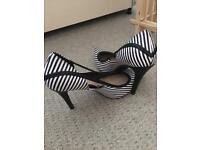 Black/white stripey shoes