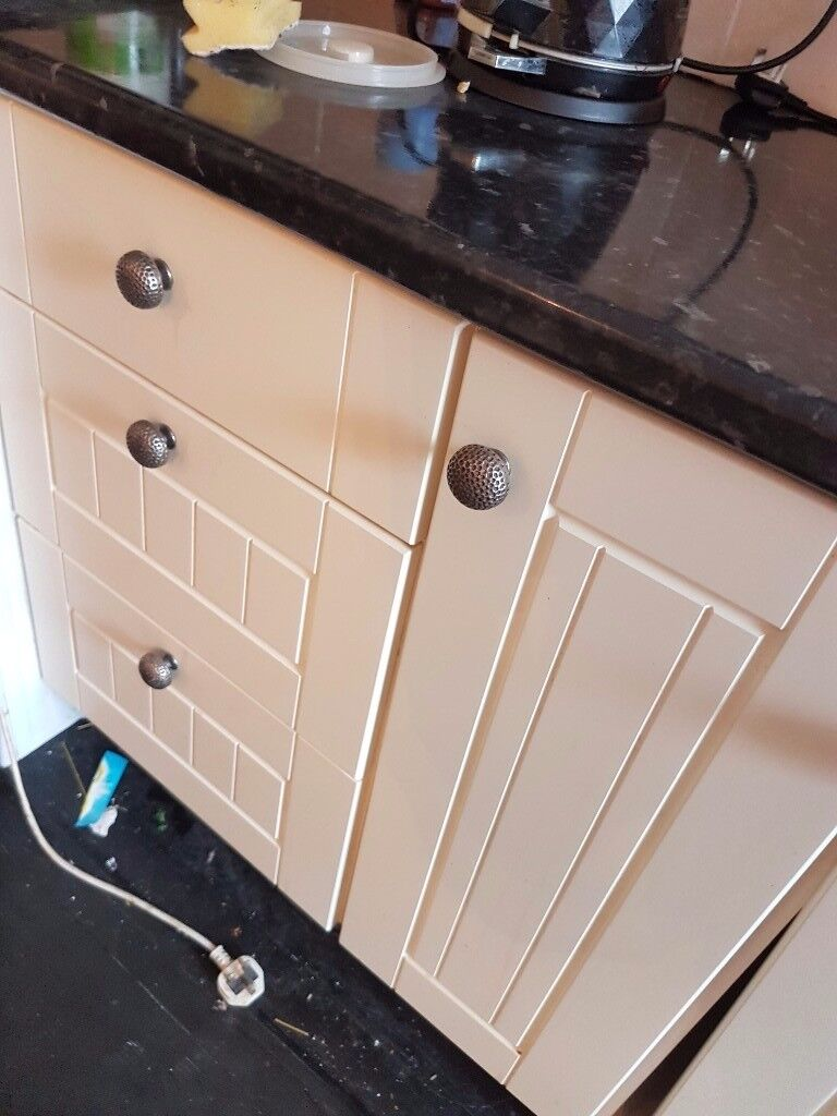Kitchen units and doors for sale