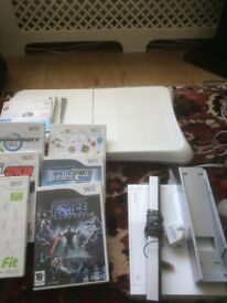 Nintendo Wii Fit Bundle and board good condition