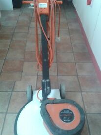 Floor cleaner, industrial floor cleaner