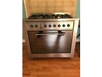 Indesit M96SN Cooker - 5 plate Oven and hob with Extractor fan - Perfect for catering/restaurant