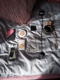Accessories for £2 each: Samsung diamonte phone covers, necklaces, rings, bangles ALL NEW!