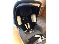 Newborn Britax Baby-safe Romer car seat