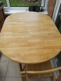 Drop leaf/extending kitchen/dining table and 4 chairs