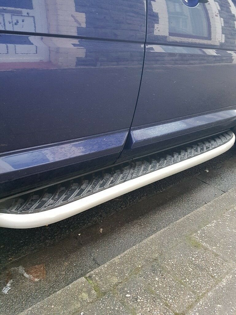 Land rover freelander 2 side steps / running boards. Excellent condition