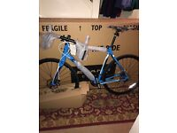 2016 Cannondale synapse road bike NEW IN BOX!