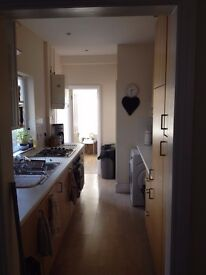 Great furnished double in friendly Redland house ( 6months) £580 inc Bills