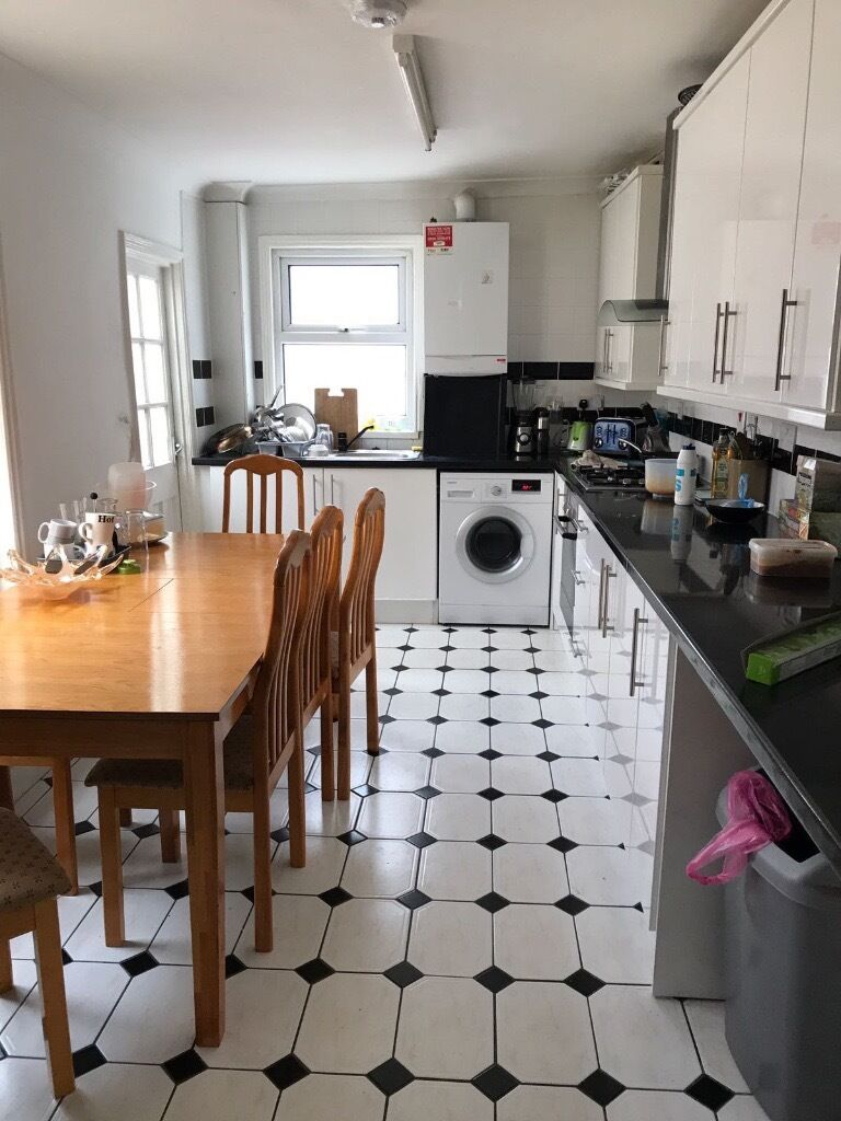 4 doubles rooms in nice house petersfield road acton w3 8ny £145