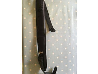 Reduced price .. Gibson Fatboy padded guitar strap in black