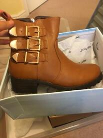 Brand new size 3 sergio todzi brown tan boots RRP40
