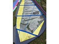 Windsurfer sails (Tiga 5.2, HiFly 4.5), 1 2-section mast, 2 booms.