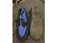 Size 8 surf water sports shoes