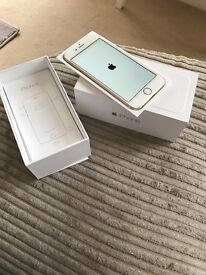Apple iPhone 6 in rose gold! Excellent condition with small scratch top left.