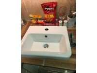 400mm wall hung basin brand new